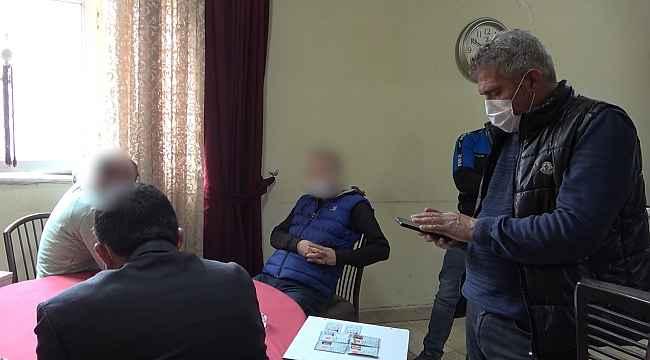 Dernekte iskambil oynayan 5 kişiye 15 bin 750 lira ceza