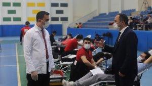 Gençlik Spor'un kan bağışından sonra 110 ünite kan 330 kişiye hayat olacak