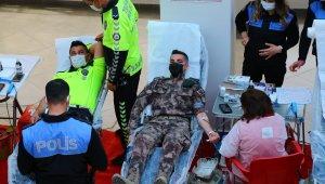 """İnci: """"Türk polisi cephede ve sedyede kanını vermeye hazır"""""""