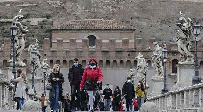 İtalya'da son 24 saatte Covid-19'a bağlı 344 can kaybı