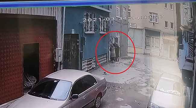 Kadın hırsızlar kredi kartı ile girdikleri evden servet götürdü - Bursa Haberleri
