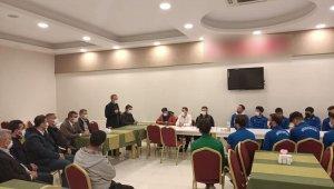 Kılınç'tan, Kahta 02 Spor'a moral ziyareti