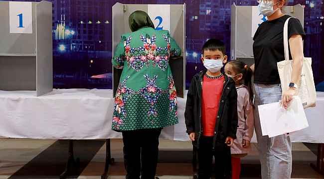 Kırgızistan'da resmi olmayan sonuçlara göre yeni Anayasa taslağı yüzde 79 oranında kabul edildi