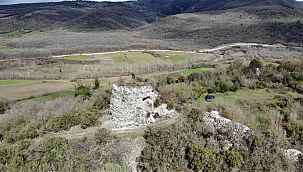 Köylüler 2 bin yıldır ayakta duran kalenin restore edilmesini istiyor - Bursa Haberleri