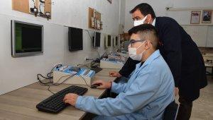 Meslek lisesi UV ışınla hava temizleme cihazı üretti