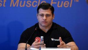 Milli güreşçi Rıza Kayaalp'e yeni sponsor