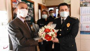 Müdür Onar, Polis Emeklileri Derneği'ni ziyaret etti.
