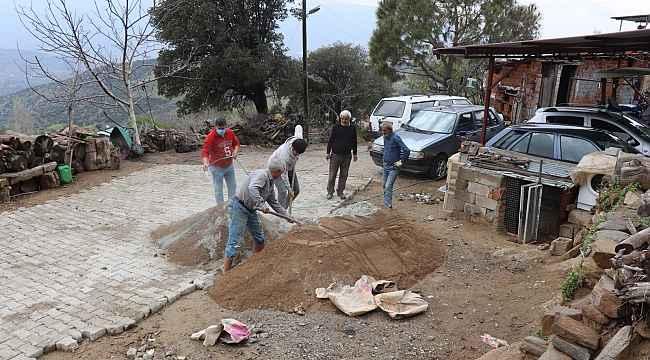 Nazilli Belediyesi Yellice Mahallesi'nin yollarını yeniliyor