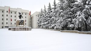 Nevşehir'de 60 yılın kar rekoru kırıldı