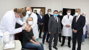 Önceki Dönem Enerji ve Tabii Kaynaklar Bakanı Taner Yıldız, ERÜ'de İKUM'u Ziyaret Etti