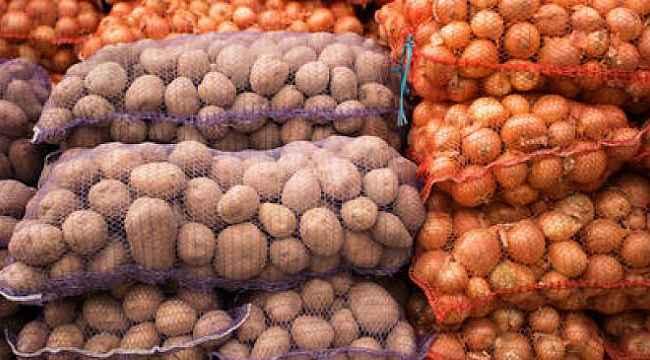 "Pakdemirli: ""Toplam 40 bin ton patates ve 10 bin ton kuru soğan dağıttık"""