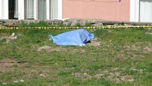Polisten kaçamayacağını anlayınca kendini vurdu
