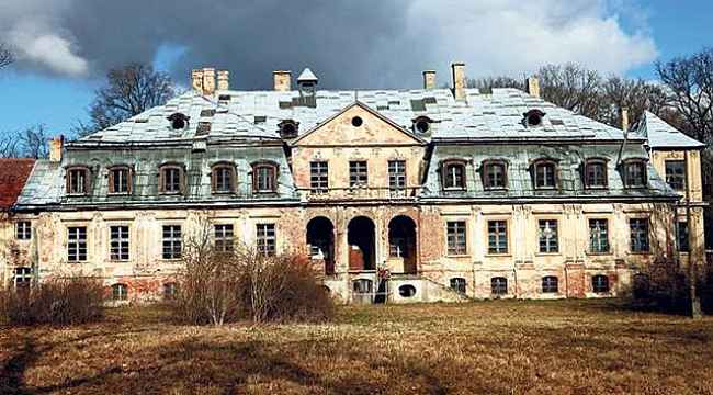 Polonya'da bir sarayın altında 10 ton Nazi altını olduğu iddiasıyla kazı yapılacak