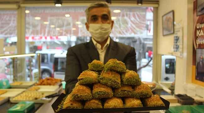 Ramazan öncesi fıstıklı baklavalarda yüzde 50 indirim - Bursa Haberleri