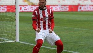 Robin Yalçın, Sivasspor'da siftah yaptı