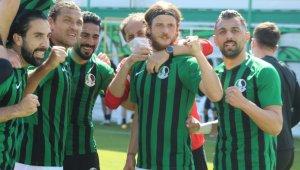 Sakaryaspor'un 1. Lig hayalleri Play-Off'a kaldı