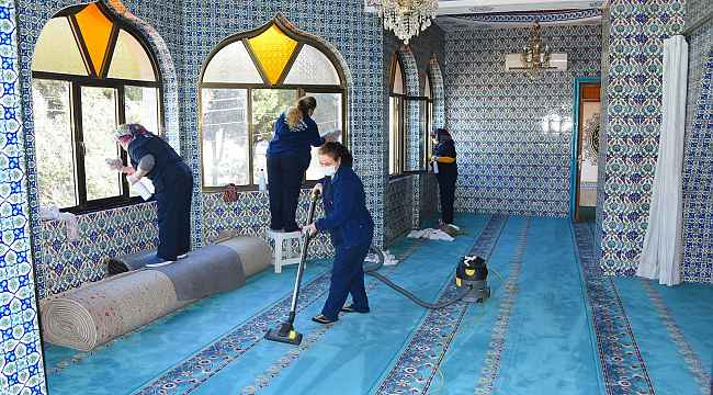 Salihli Belediyesi camileri Ramazan'a hazırladı