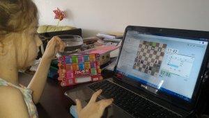 Salihli'de online satranç maratonu başladı