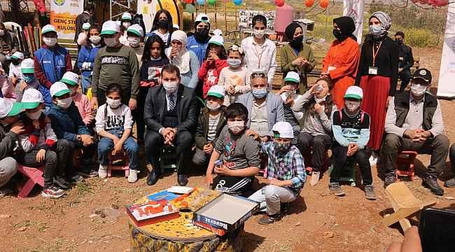 Şanlıurfa'da çocuklar tohumları toprakla buluşturdu