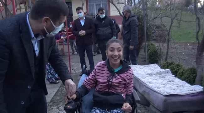 Sındırgı'da engelli vatandaşlara akülü araçları teslim edildi