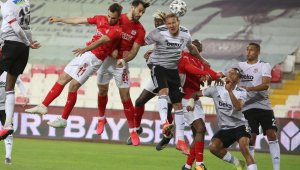 Süper Lig: D.G. Sivasspor : 0 Beşiktaş: 0