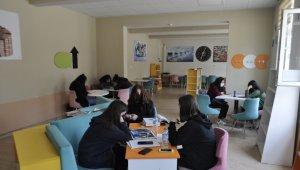 Tarihi Ceyhan Lisesi proje okulu oldu