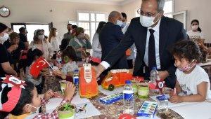 Tarsus'ta 'Köyüm Uzakta Öğretmenim Yanımda Projesi'