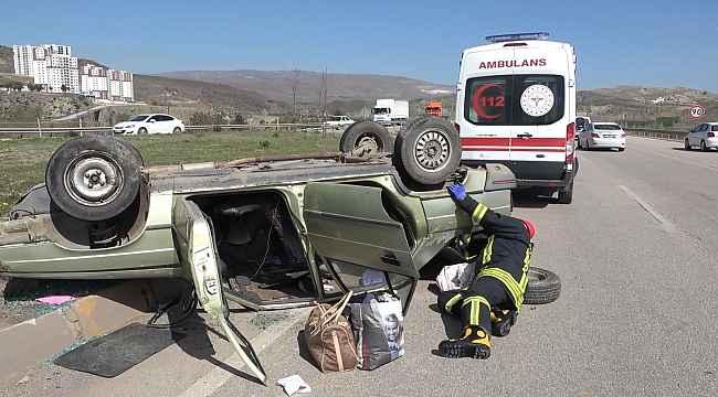 Tıra çarpmamak için manevra yapan otomobil takla attı: 2 yaralı