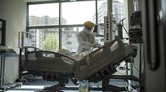 Türkiye'de 12 Nisan günü koronavirüs nedeniyle 243 kişi vefat etti, 54 bin 562 yeni vaka tespit edildi