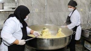 Ünye Belediyesi'nden 3 bin kişilik iftar yemeği