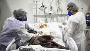 """Uzman isimden, korona hastalarına """"sıcak duş"""" uyarısı: """"Yoğun bakım riskini artırıyor"""""""