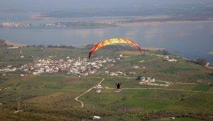 Yamaç Paraşütü Hedef Şampiyonasına rüzgar engeli - Bursa Haberleri