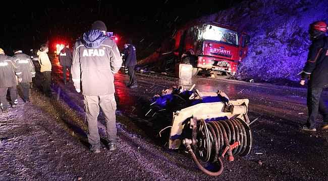 Yangına giden itfaiye aracı kaza yaptı: 2'si ağır 5 yaralı