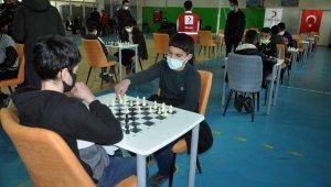 Yüksekova'da okullar arası satranç turnuvası