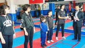 Yunusemreli şampiyon wushucular ödüllendirildi