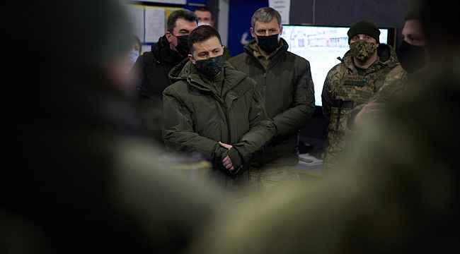 Zelenskiy, Rusya ile gerginliği tırmandıran Donbass'a gidiyor