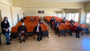 Zonguldaklı diyetisyen korona virüs hastalarının ardından öğrencileri de bilgilendirdi