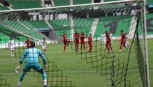 2. Lig: Sakaryaspor: 4 - Etimesgut Belediyespor: 2
