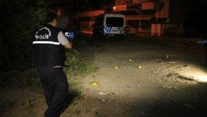 Adana'da sokak ortasında silahlı kavga: 1 yaralı