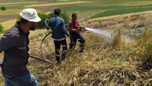 Adıyaman'da 10 dönüm buğday tarlası yandı