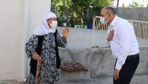 Aksoy vatandaşların geçmiş bayramını kutladı