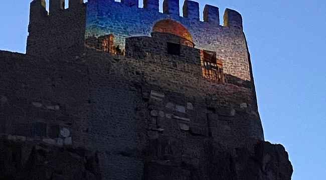 Ankara Kalesi'ne Mescid-i Aksa görseli yansıtıldı