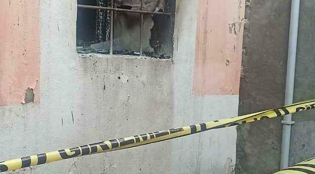 Annesiyle tartışan genç kendisiyle birlikte evi yakarak hayatını kaybetti