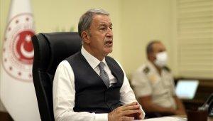 Bakan Akar, video konferans yöntemi ile birlik komutanları ile görüştü