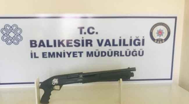 Balıkesir'de polis 15 şahsı gözaltına aldı