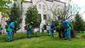 Başakşehir'de camilerde bayram hazırlığı başladı