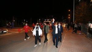 Başkan Büyükkılıç'tan vatandaşlara gece sürprizi