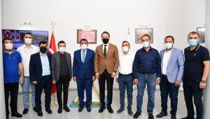 Başkan Gürkan, müteahhitleri kabul etti