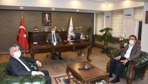 """Başkan Özdemir: """"Eğitim kurumlarımızın yanında olmaya devam edeceğiz"""""""