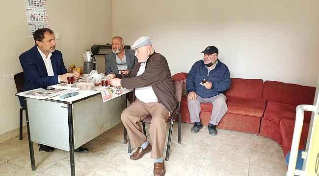 Başkan Şahin sabah çayını taksicilerle içti